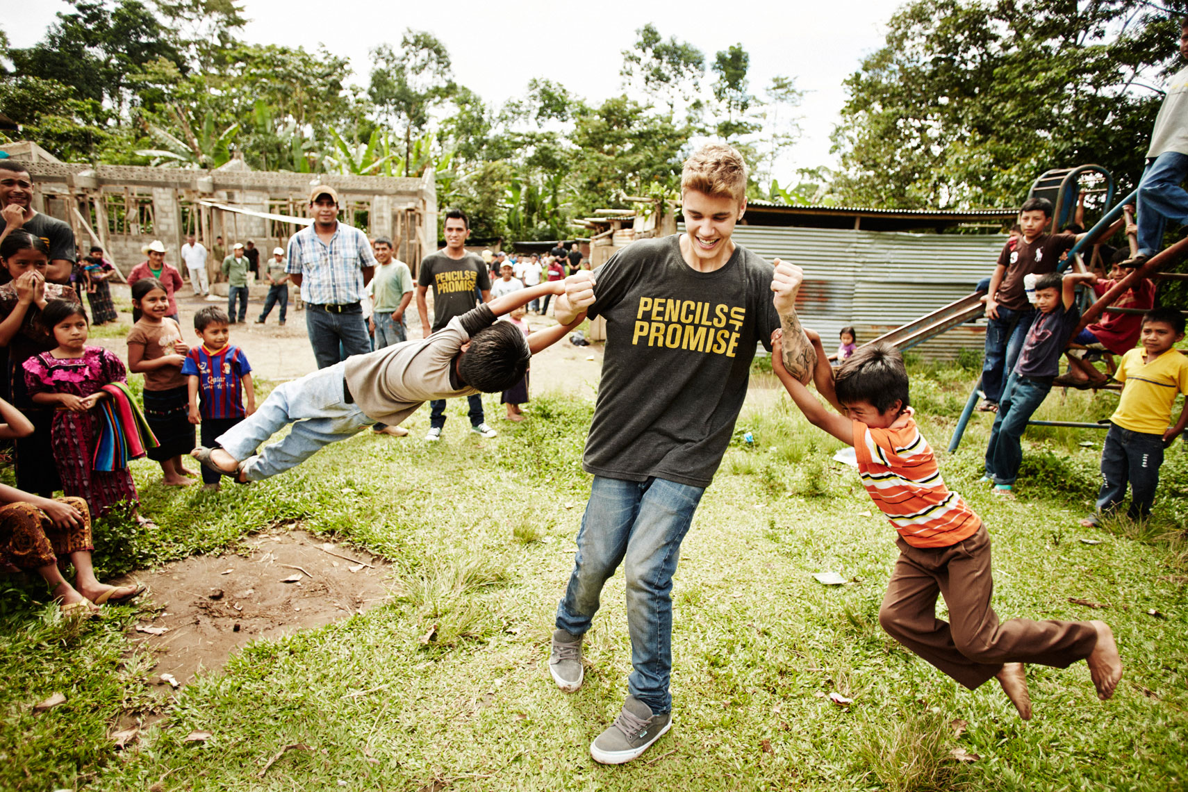 Justin Bieber, Pencils of Promise